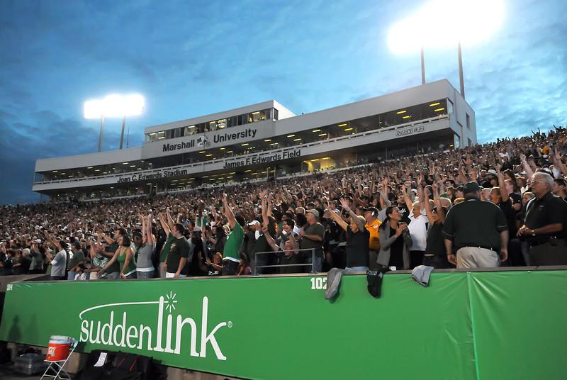crowd5180