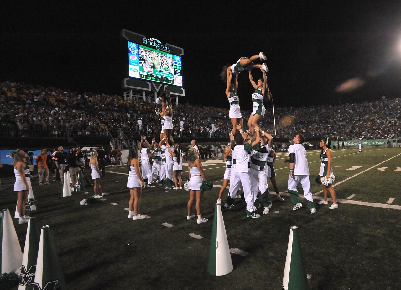cheerleaders6106