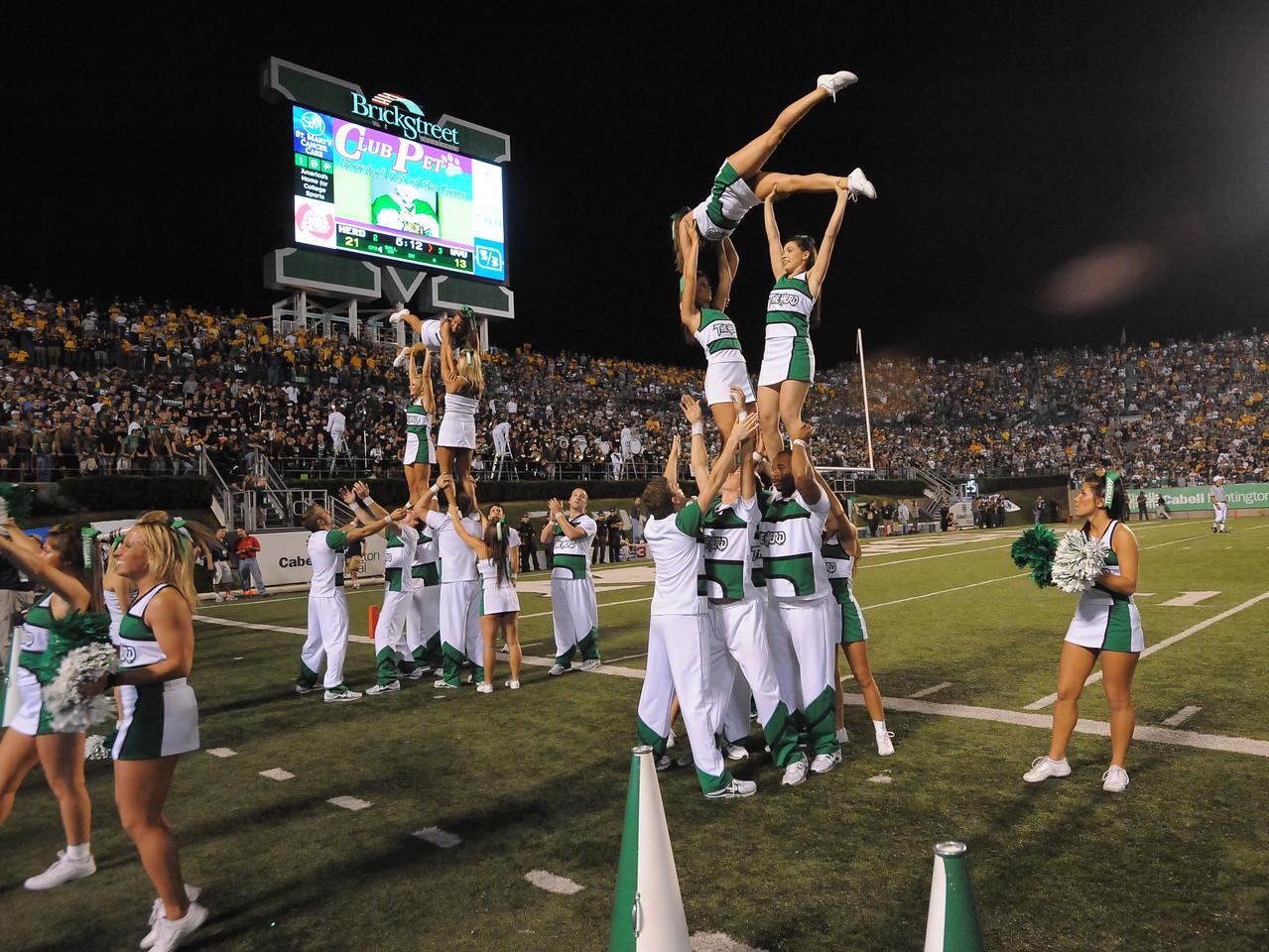 cheerleaders6117