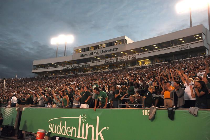 crowd5197