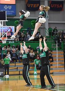 cheerleaders0322