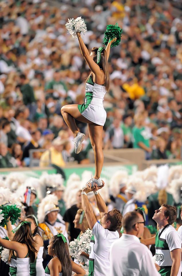 cheerleaders7049