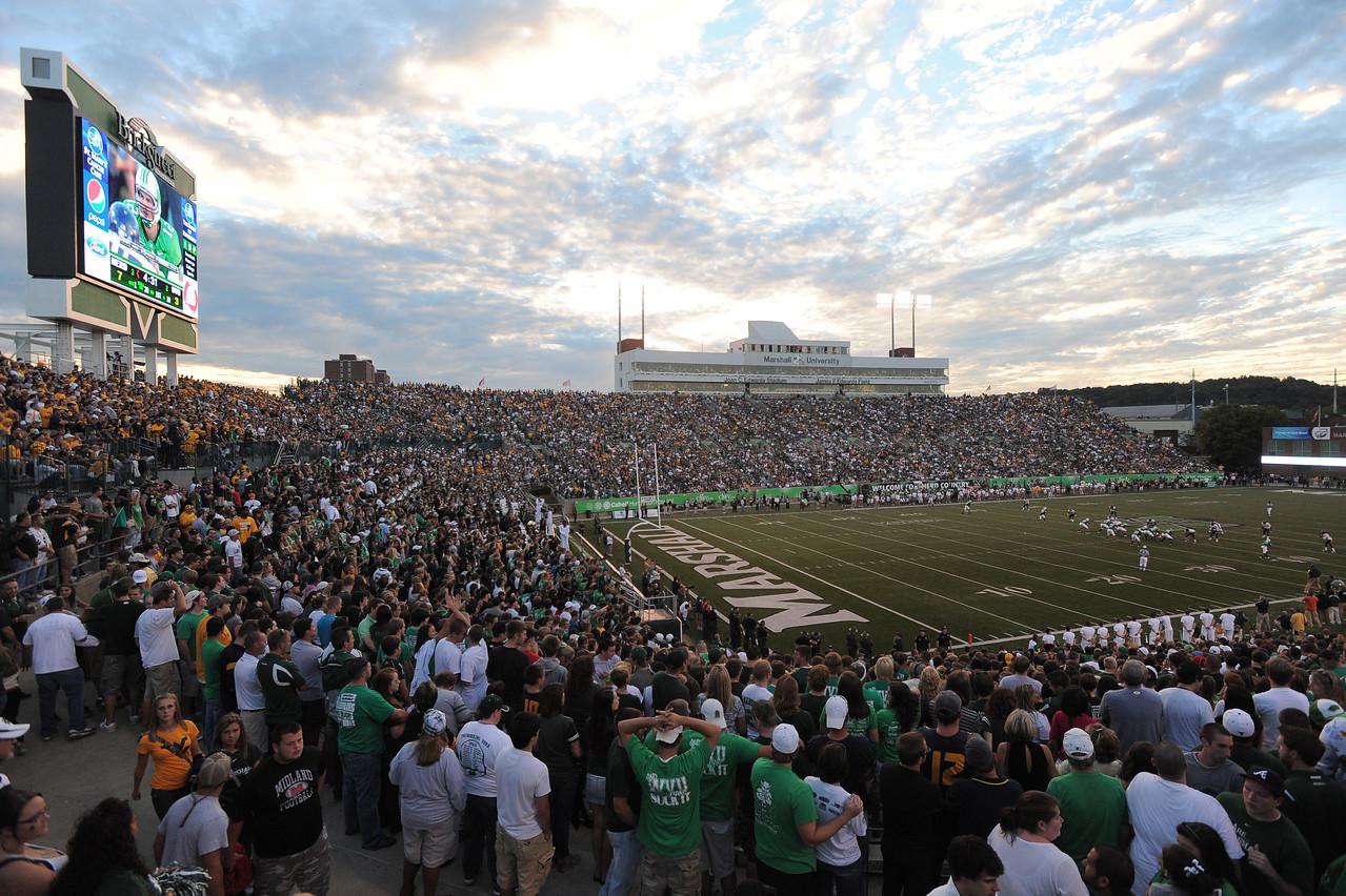crowd6573