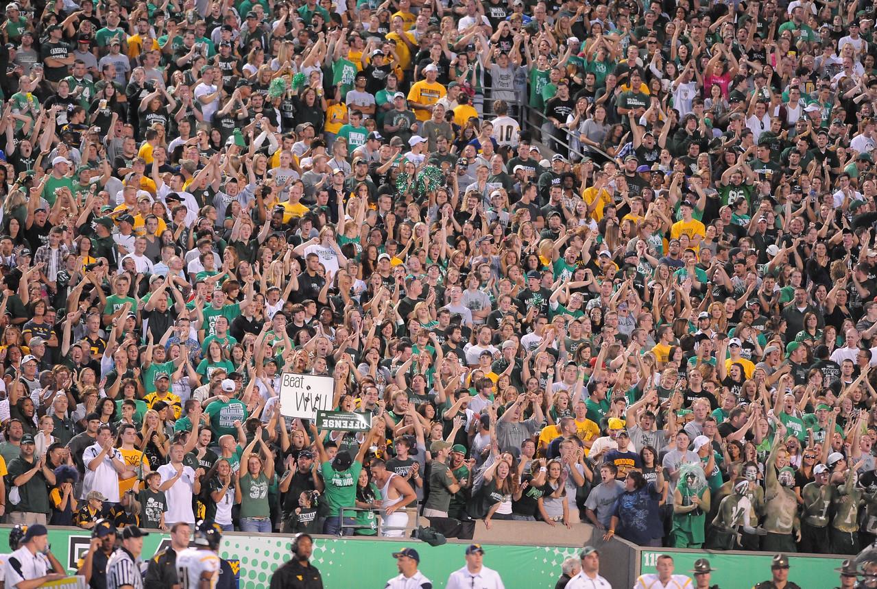 crowd6894