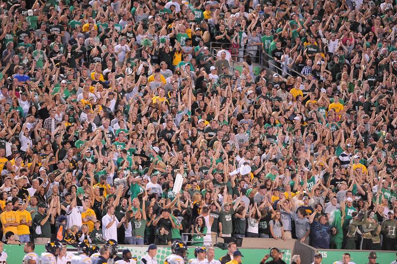 crowd6906