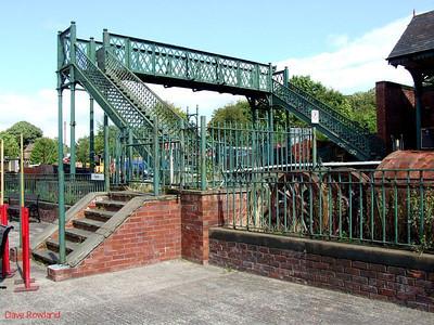 Elsecar station footbridge. 16th August 2009.