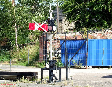 Home signal at Elsecar station. 16th August 2009.