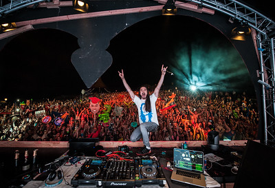 Family photo with Steve Aoki at Mysteryland Music Festival