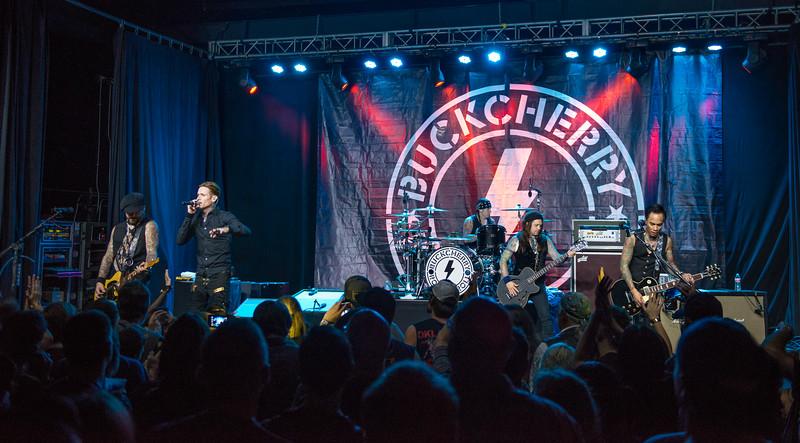 BUCKCHERRY 2015
