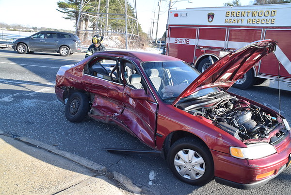 3.12.17-Brentwood FD-MVA-Crooked Hill Rd & College Rd