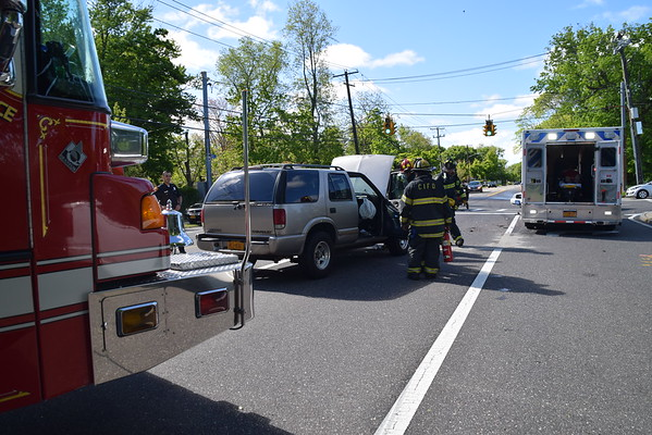 5.14.17-Central Islip FD-MVA-Eastview & Lowell