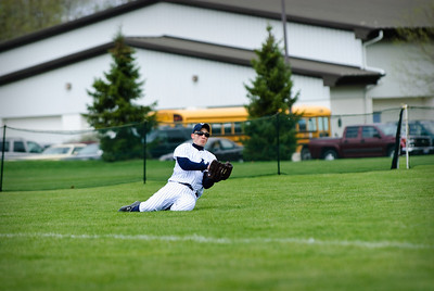 //www.TopRowPhotography.com . Photo Details: 17-Apr-2010, 0910-baseball-TOP_5957, 200 mm, ¹⁄₁₅₀₀ sec at f/4.0, no flash