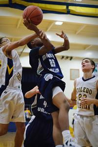 MV Boys JV Basketball at Toledo Christian, 13-Dec-2011 Filename: TOP_8637