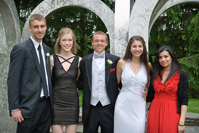 Maumee Valley Prom, 12-May-2012; photos at Toledo Botanical Garden Filename: TOP_2162