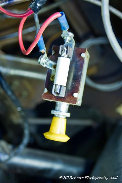 This is my old fan motor switch, b-bye.