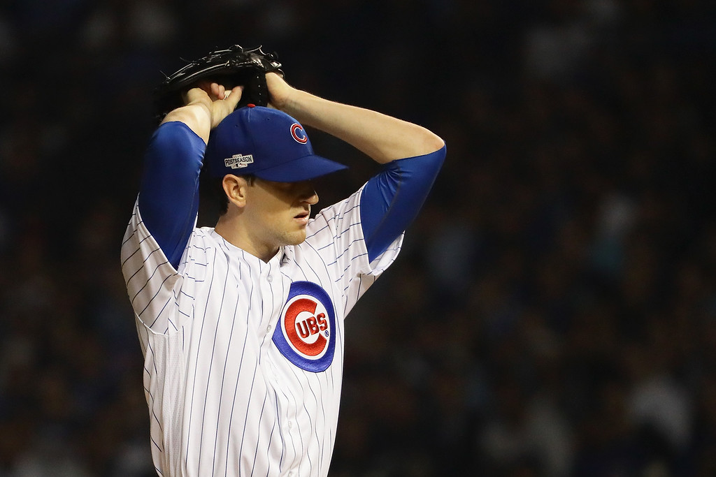 . CHICAGO, IL - OCTOBER 16:  Kyle Hendricks #28 of the Chicago Cubs stands on the pitcher\'s mound in the first inning against the Los Angeles Dodgers during game two of the National League Championship Series at Wrigley Field on October 16, 2016 in Chicago, Illinois.  (Photo by Jonathan Daniel/Getty Images)