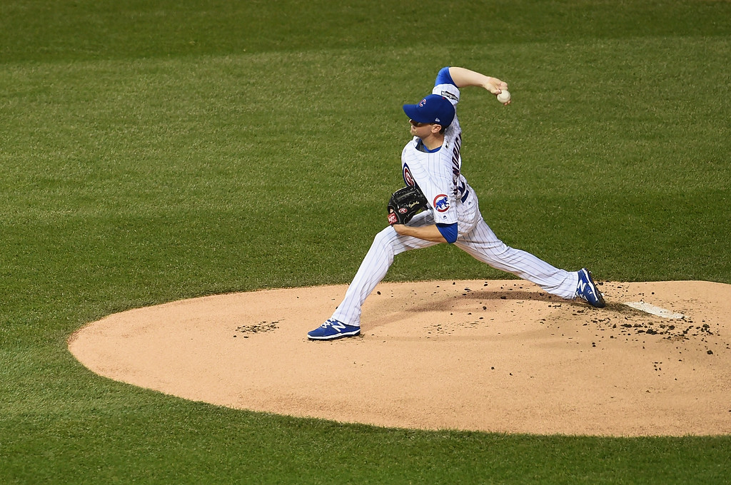 . CHICAGO, IL - OCTOBER 16:  Kyle Hendricks #28 of the Chicago Cubs throws a pitch in the first inning against the Los Angeles Dodgers during game two of the National League Championship Series at Wrigley Field on October 16, 2016 in Chicago, Illinois.  (Photo by Stacy Revere/Getty Images)