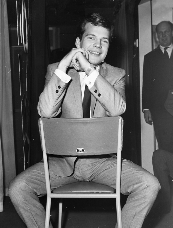 . American pop singer Bobby Vee.  Original Publication:  (Photo by Hulton Archive/Getty Images)