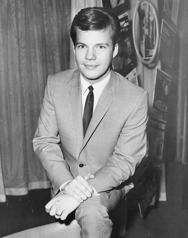 . Portrait of singer Bobby Vee wearing a suit and tie, 1962. (Photo by Central Press/Hulton Archive/Getty Images)