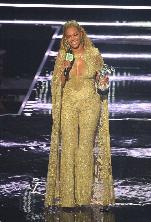 . NEW YORK, NY - AUGUST 28:  Beyonce accepts an award onstage during the 2016 MTV Music Video Awards at Madison Square Gareden on August 28, 2016 in New York City.  (Photo by Jason Kempin/Getty Images)