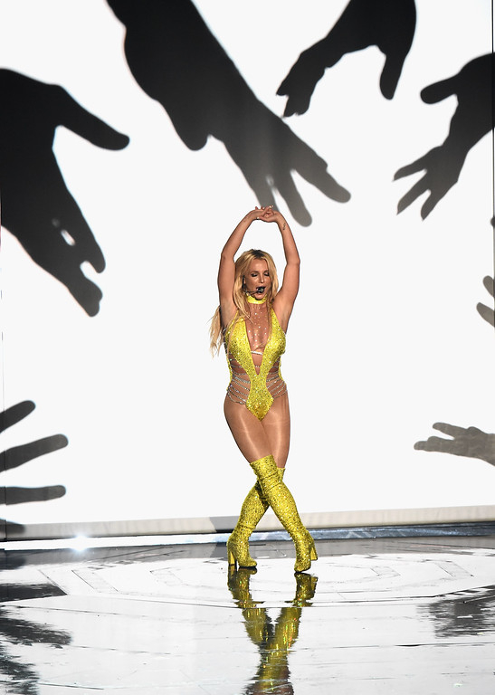 . NEW YORK, NY - AUGUST 28: Britney Spears performs onstage during the 2016 MTV Video Music Awards at Madison Square Garden on August 28, 2016 in New York City.  (Photo by Michael Loccisano/Getty Images)