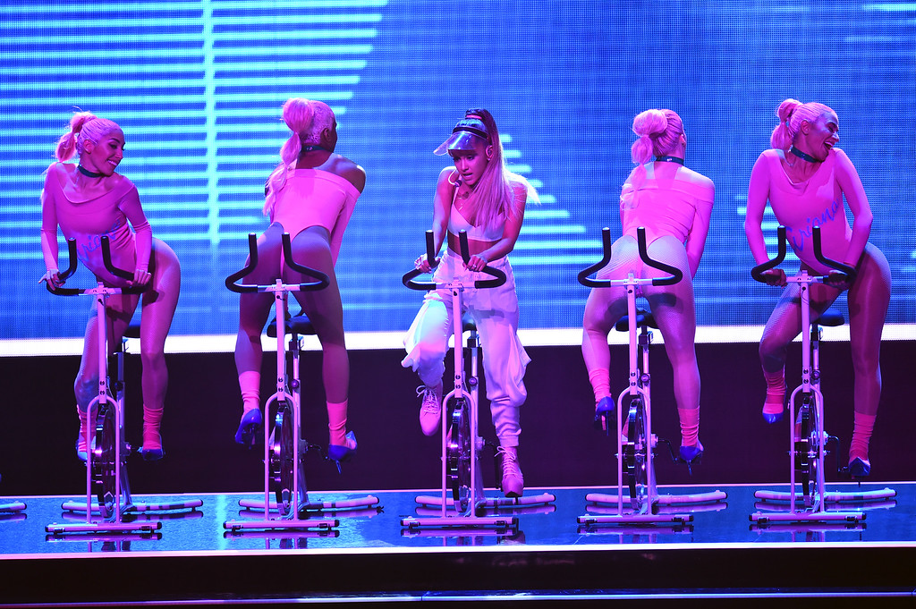 . NEW YORK, NY - AUGUST 28:  Ariana Grande (C) performs onstage during the 2016 MTV Video Music Awards at Madison Square Garden on August 28, 2016 in New York City.  (Photo by Michael Loccisano/Getty Images)