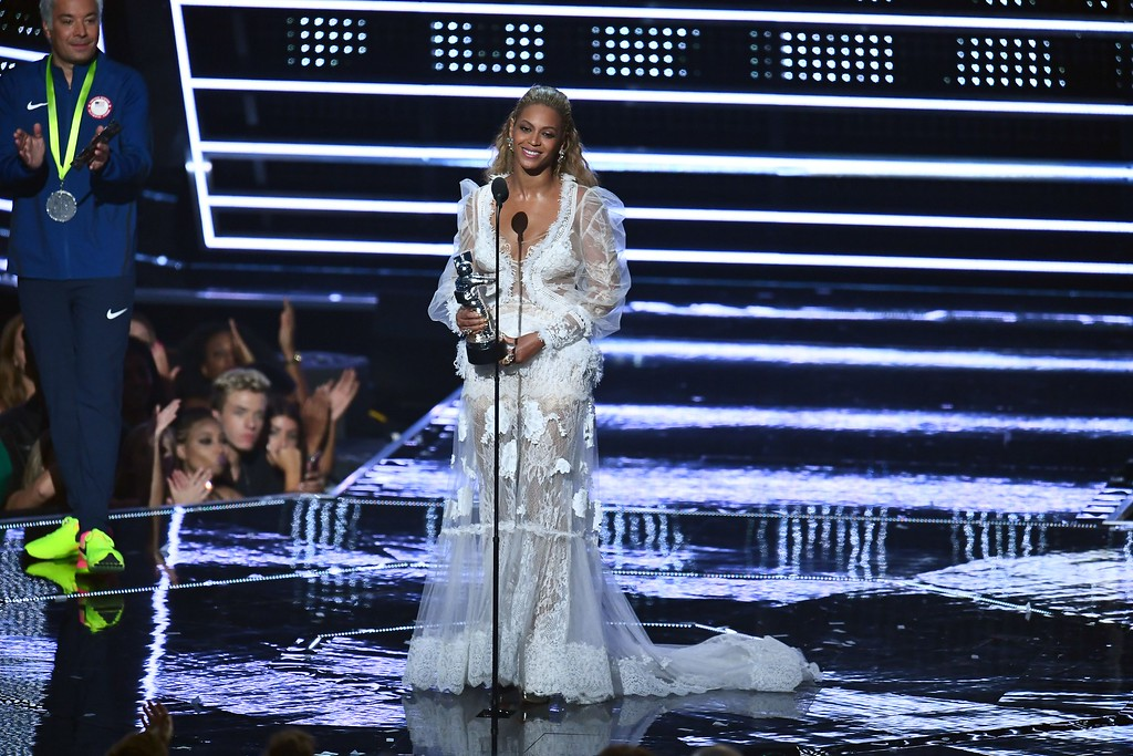 . US singer Beyonce accepts an award on stage during the 2016 MTV Video Music Award at the Madison Square Garden in New York on August 28, 2016. (JEWEL SAMAD/AFP/Getty Images)
