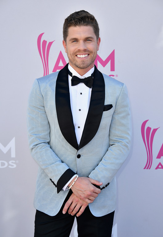 . LAS VEGAS, NV - APRIL 02:  Singer Dustin Lynch attends the 52nd Academy Of Country Music Awards at Toshiba Plaza on April 2, 2017 in Las Vegas, Nevada.  (Photo by Frazer Harrison/Getty Images)