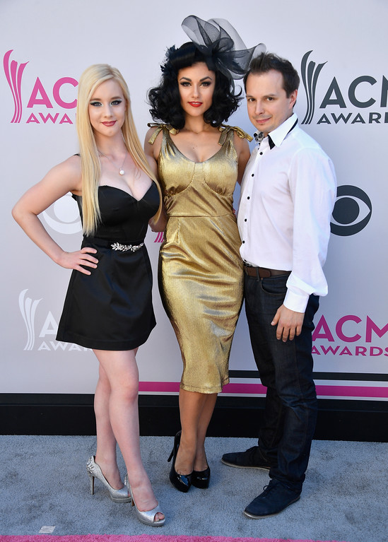 . LAS VEGAS, NV - APRIL 02:  Cast members of \'Absinthe\' attend the 52nd Academy Of Country Music Awards at Toshiba Plaza on April 2, 2017 in Las Vegas, Nevada.  (Photo by Frazer Harrison/Getty Images)