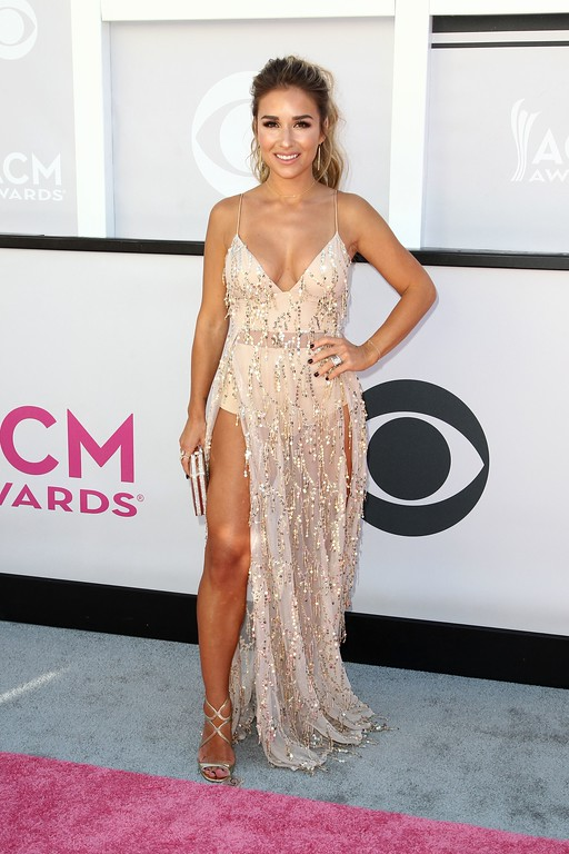 . Singer Jessie James Decker arrives for the 52nd Academy of Country Music Awards on April 2, 2017, at the T-Mobile Arena in Las Vegas, Nevada. (TOMMASO BODDI/AFP/Getty Images)