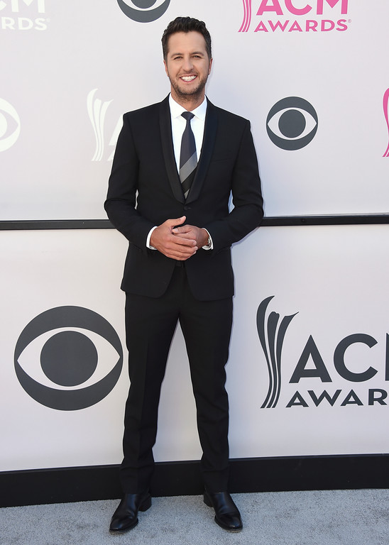. Luke Bryan arrives at the 52nd annual Academy of Country Music Awards at the T-Mobile Arena on Sunday, April 2, 2017, in Las Vegas. (Photo by Jordan Strauss/Invision/AP)