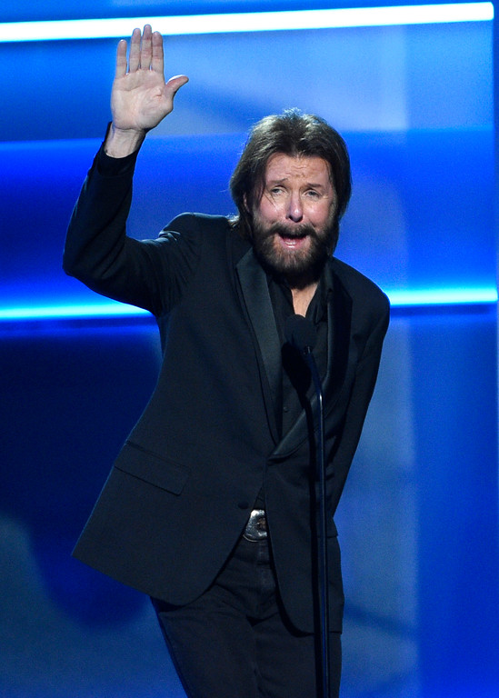 . Ronnie Dunn introduces a performance by Reba McEntire and Lauren Daigle at the 52nd annual Academy of Country Music Awards at the T-Mobile Arena on Sunday, April 2, 2017, in Las Vegas. (Photo by Chris Pizzello/Invision/AP)