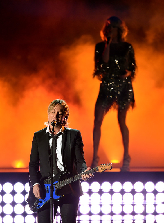 . LAS VEGAS, NV - APRIL 02:  Recording artists Keith Urban (L) and Carrie Underwood perform onstage during the 52nd Academy Of Country Music Awards at T-Mobile Arena on April 2, 2017 in Las Vegas, Nevada.  (Photo by Ethan Miller/Getty Images)