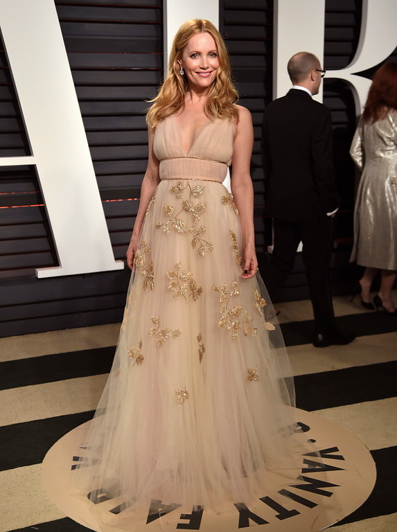 . Leslie Mann arrives at the Vanity Fair Oscar Party on Sunday, Feb. 26, 2017, in Beverly Hills, Calif. (Photo by Evan Agostini/Invision/AP)