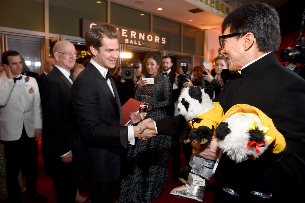 . HOLLYWOOD, CA - FEBRUARY 26:  Actors Andrew Garfield and Jackie Chan attend the 89th Annual Academy Awards Governors Ball at Hollywood & Highland Center on February 26, 2017 in Hollywood, California.  (Photo by Kevork Djansezian/Getty Images)
