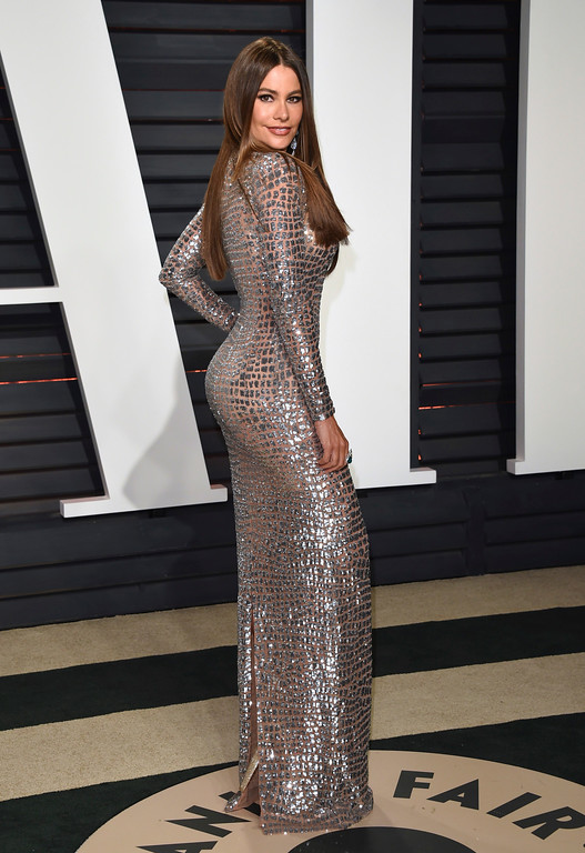 . Sofía Vergara arrives at the Vanity Fair Oscar Party on Sunday, Feb. 26, 2017, in Beverly Hills, Calif. (Photo by Evan Agostini/Invision/AP)
