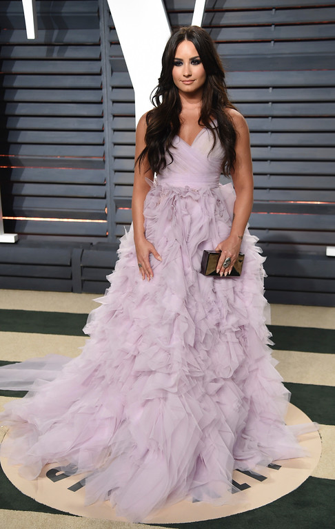 . Demi Lovato arrives at the Vanity Fair Oscar Party on Sunday, Feb. 26, 2017, in Beverly Hills, Calif. (Photo by Evan Agostini/Invision/AP)