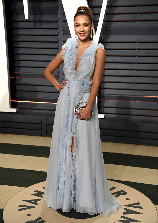 . Jessica Alba arrives at the Vanity Fair Oscar Party on Sunday, Feb. 26, 2017, in Beverly Hills, Calif. (Photo by Evan Agostini/Invision/AP)