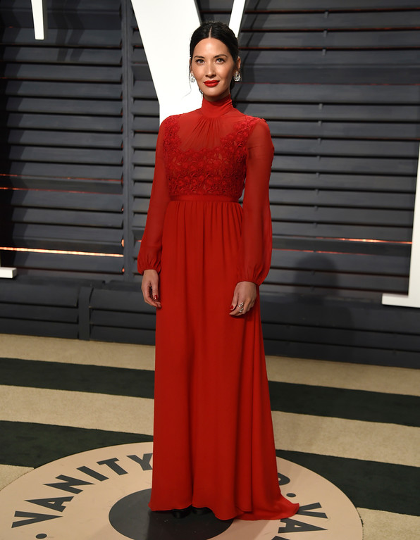 . Olivia Munn arrives at the Vanity Fair Oscar Party on Sunday, Feb. 26, 2017, in Beverly Hills, Calif. (Photo by Evan Agostini/Invision/AP)
