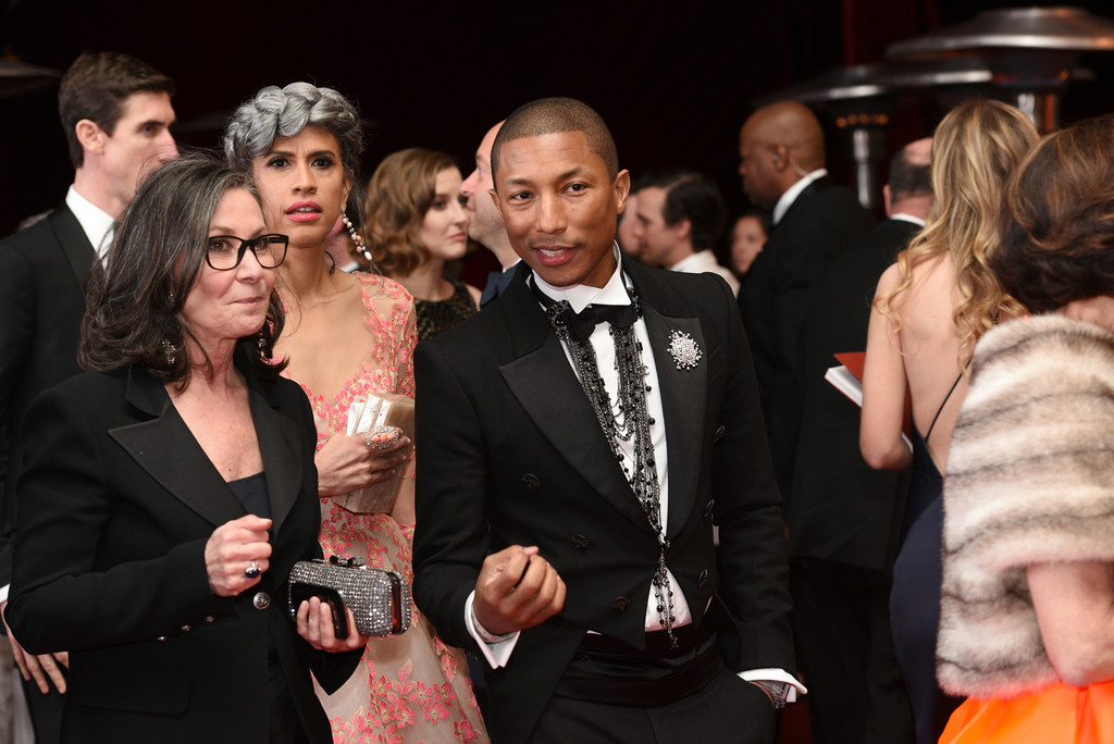. Mimi Valdes, left, and Pharrell Williams attend the Governors Ball after the Oscars on Sunday, Feb. 26, 2017, at the Dolby Theatre in Los Angeles. (Photo by Al Powers/Invision/AP)