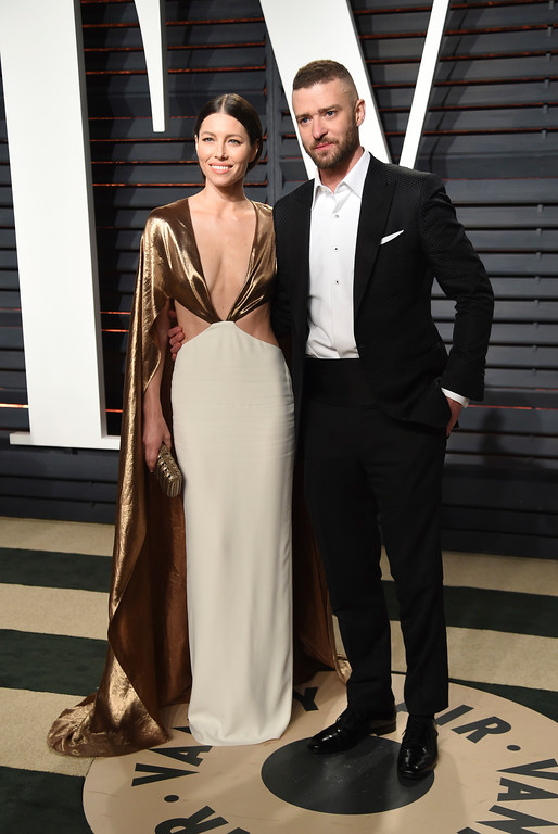 . Jessica Biel, left, and Justin Timberlake arrive at the Vanity Fair Oscar Party on Monday, Feb. 27, 2017, in Beverly Hills, Calif. (Photo by Evan Agostini/Invision/AP)