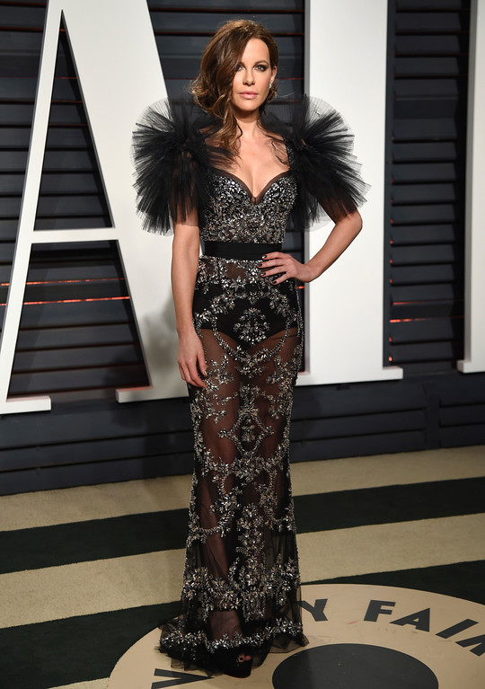 . Kate Beckinsale arrives at the Vanity Fair Oscar Party on Sunday, Feb. 26, 2017, in Beverly Hills, Calif. (Photo by Evan Agostini/Invision/AP)