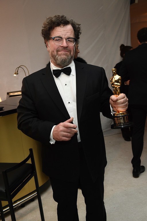 """. Kenneth Lonergan poses with his award for best original screenplay for \""""Manchester by the Sea\"""" at the Governors Ball at the Oscars on Sunday, Feb. 26, 2017, at the Dolby Theatre in Los Angeles. (Photo by Al Powers/Invision/AP)"""