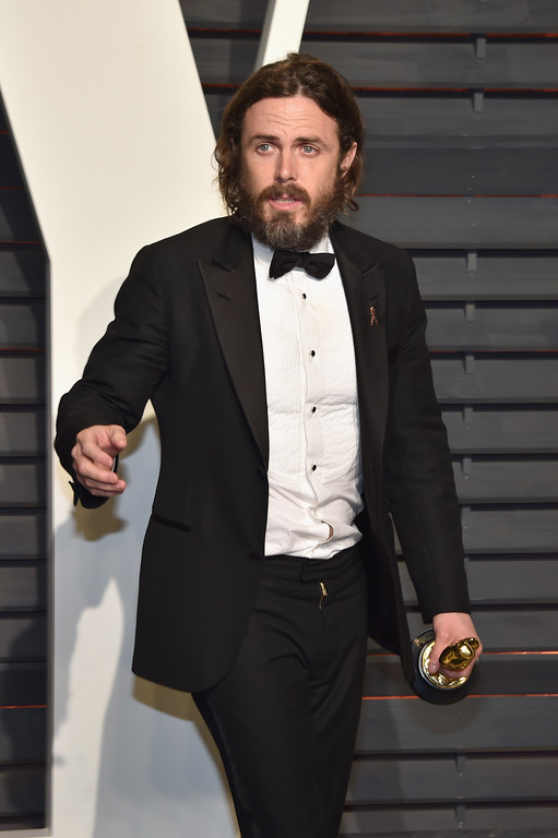 . BEVERLY HILLS, CA - FEBRUARY 26:  Actor Casey Affleck attends the 2017 Vanity Fair Oscar Party hosted by Graydon Carter at Wallis Annenberg Center for the Performing Arts on February 26, 2017 in Beverly Hills, California.  (Photo by Pascal Le Segretain/Getty Images)