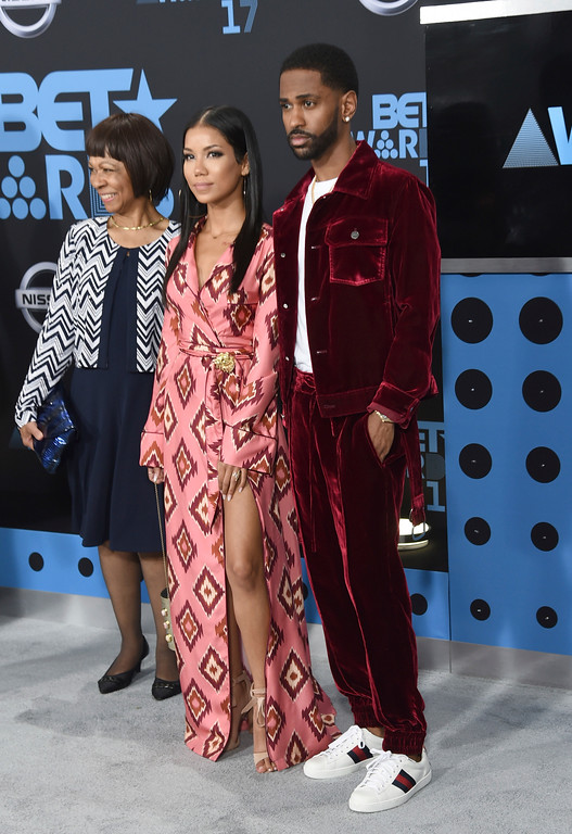 . Big Sean, from right, Jhene Aiko, and Myra Anderson arrive at the BET Awards at the Microsoft Theater on Sunday, June 25, 2017, in Los Angeles. (Photo by Richard Shotwell/Invision/AP)
