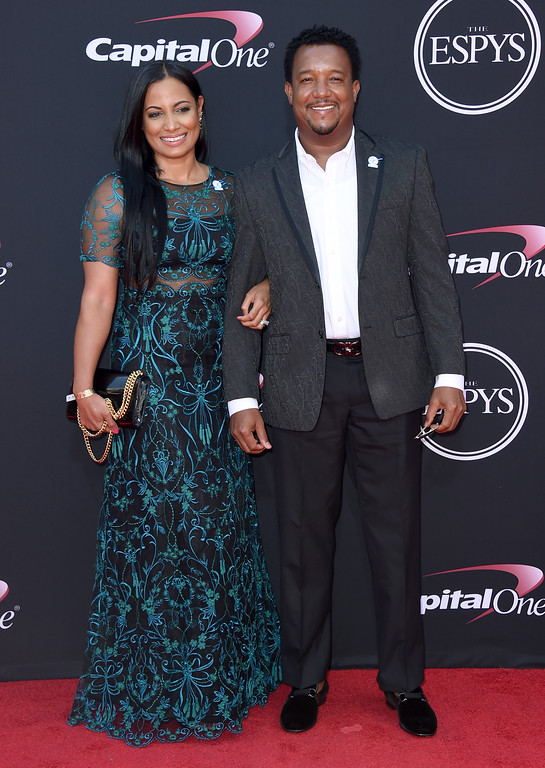 . Pedro Martinez, right, and Carolina Cruz Martinez arrive at the ESPYS at the Microsoft Theater on Wednesday, July 12, 2017, in Los Angeles. (Photo by Jordan Strauss/Invision/AP)