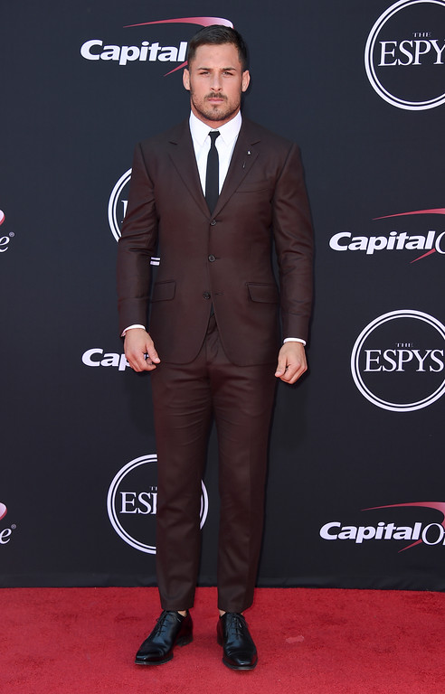 . NFL football player Danny Amendola, of the New England Patriots, arrives at the ESPYS at the Microsoft Theater on Wednesday, July 12, 2017, in Los Angeles. (Photo by Jordan Strauss/Invision/AP)