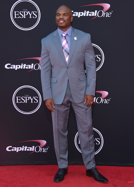 . Curtis Conway arrives at the ESPYS at the Microsoft Theater on Wednesday, July 12, 2017, in Los Angeles. (Photo by Jordan Strauss/Invision/AP)