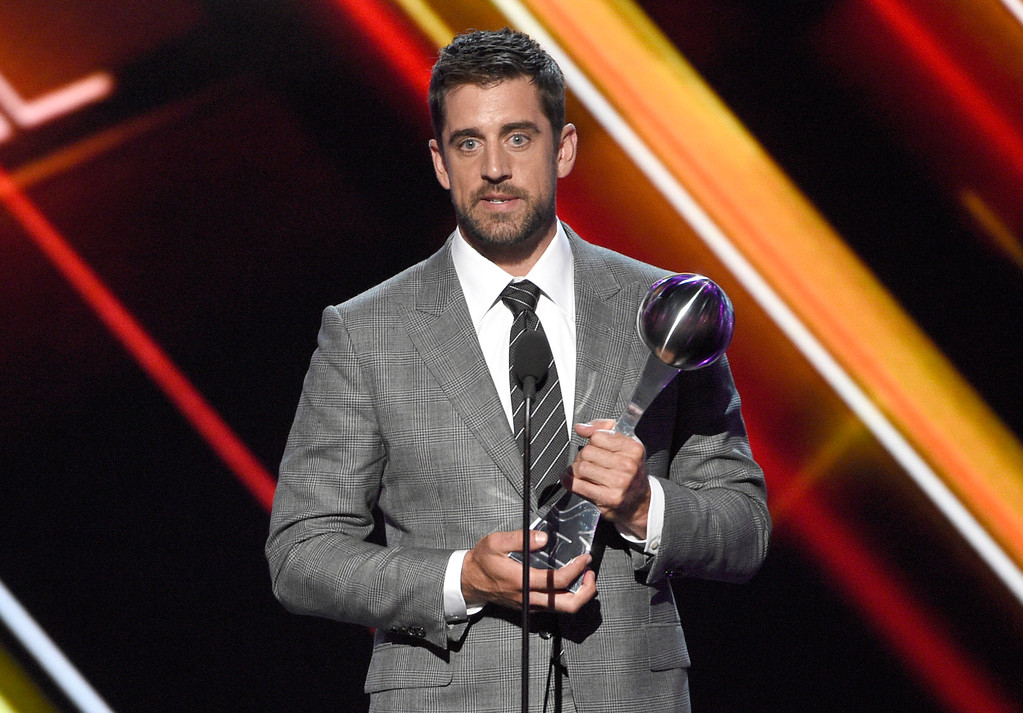 . NFL football player Aaron Rodgers, of the Green Bay Packers, accepts the award for best play at the ESPYS at the Microsoft Theater on Wednesday, July 12, 2017, in Los Angeles. (Photo by Chris Pizzello/Invision/AP)