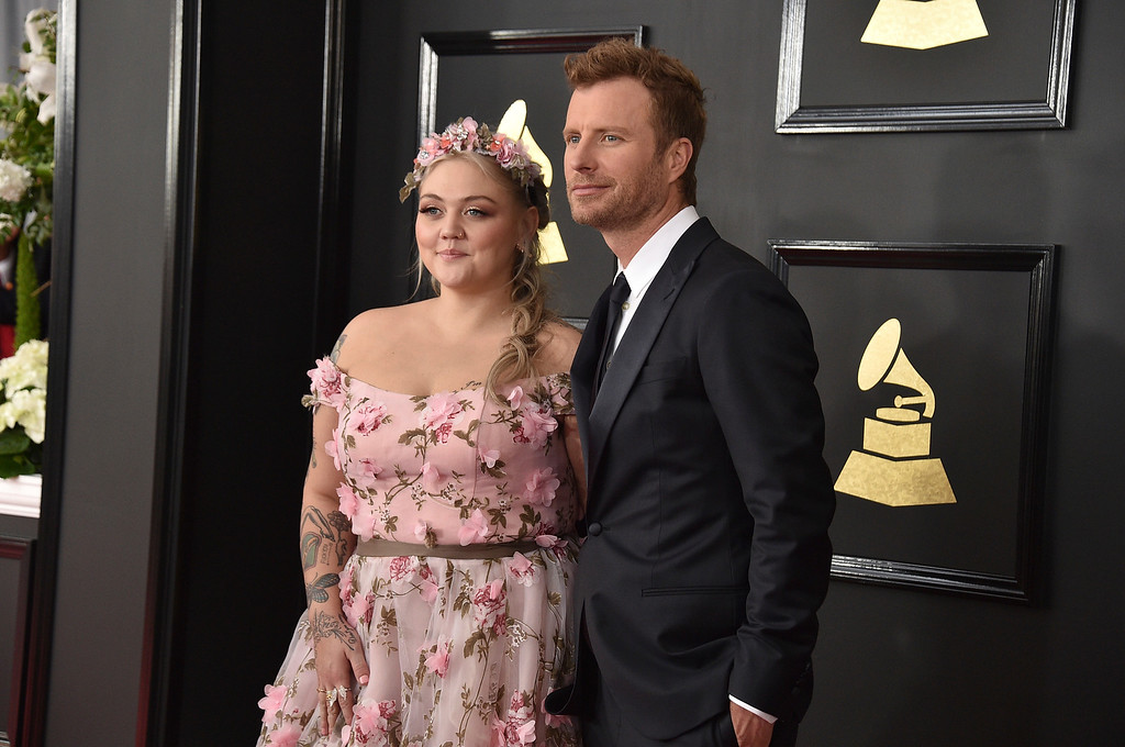 . Elle King, left, and Dierks Bentley arrive at the 59th annual Grammy Awards at the Staples Center on Sunday, Feb. 12, 2017, in Los Angeles. (Photo by Jordan Strauss/Invision/AP)